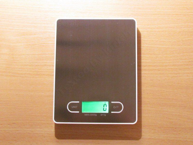 Еще одни кухонные электронные весы.